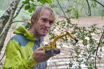 Komatsu a Jakub Vágner společně připravují areál pro rybáře
