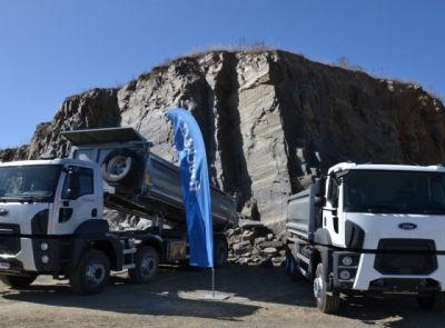 Ford Trucks a Hidromek v lomu Bělice
