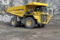 Dempr Komatsu HD605-7 zamířil i na Slovensko